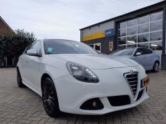 Alfa Romeo-Giulietta-0