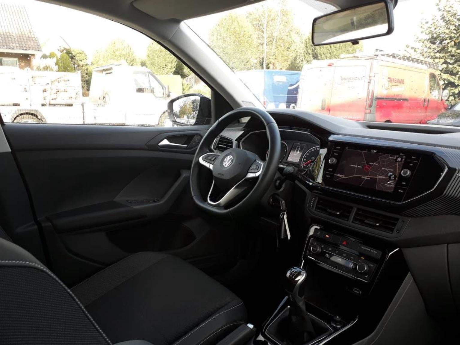 Volkswagen-T-Cross-3
